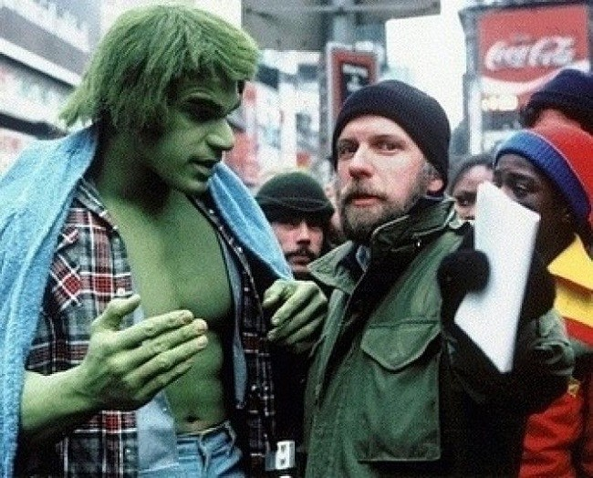 Lou Ferrigno being briefed on the script in Hulk