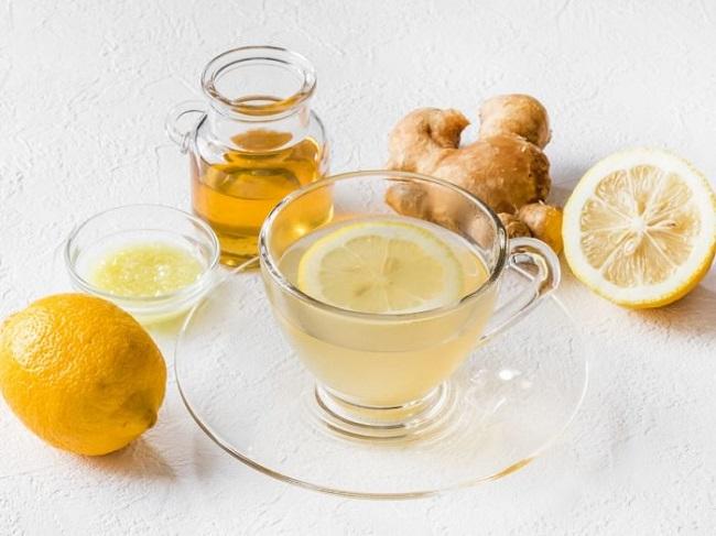Lemon and ginger water